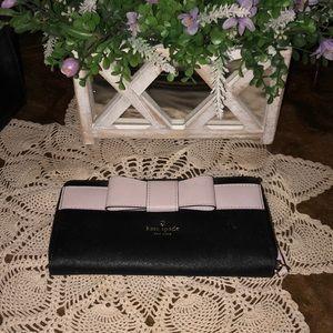 Kate spade ♠️ zip around wallet